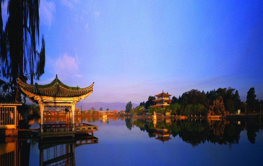 Hangzhou West Lake Walking Day Tour