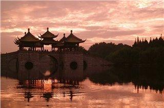 Historical Nanjing and Elegant Gardens of Yangzhou Tour
