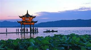 High Speed Railway Experience with Shanghai, Hangzhou and Suzhou Essence Tour