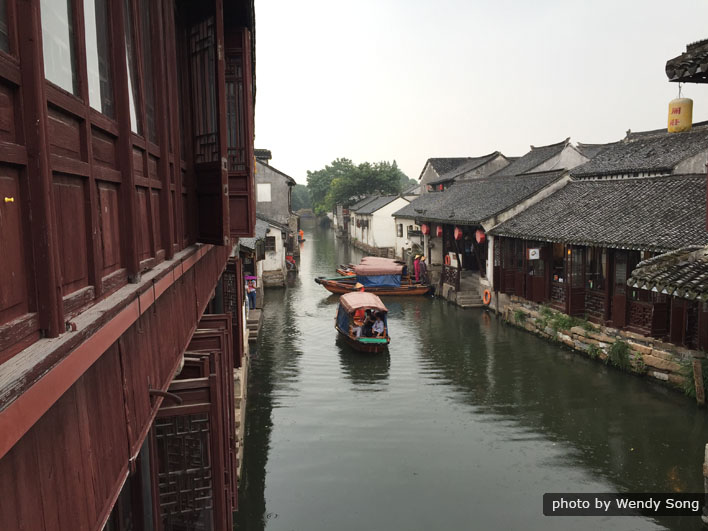 Small Group Tour: Zhouzhuang and Jinxi Day Tour from Shanghai
